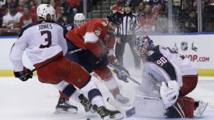 Merzļikins atgriežas vārtos, ielaiž jau 18. sekundē un turpina gaidīt pirmo uzvaru NHL