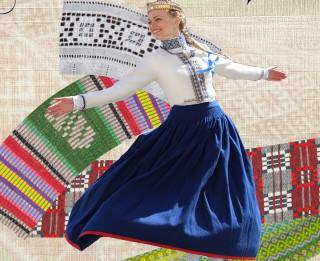 """Tautas lietišķās mākslas studijas """"Rota"""" jubilejas izstāde """"Latvietes pūrs"""" Latvijas Etnogrāfiskajā brīvdabas muzejā"""
