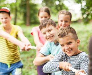 Neraugoties uz risku, vecāki nesteidz apdrošināt bērnus pret nelaimes gadījumiem vasaras nometnēs
