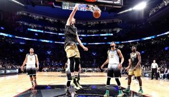 Foto: Porziņģis aizvada izcilu NBA Uzlecošo zvaigžņu spēli