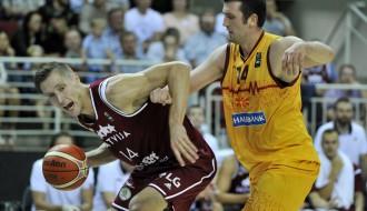 Foto: Latvija pieveic Maķedoniju pēdējā pārbaudes spēlē