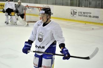 Ķēniņam pirmie divi vārti AHL