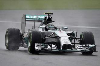 Rosbergam uzvara ceturtajā F1 kvalifikācijā pēc kārtas