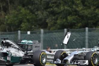 Rosbergs atzinies, ka avāriju ar Hamiltonu izraisījis speciāli