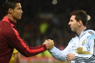 Mesi apsteidz Ronaldu starp pelnošākajiem futbolistiem