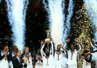 Foto: ASV basketbolisti iegūst Pasaules kausu