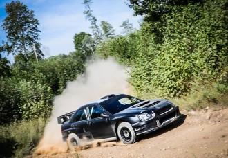 """Foto: Kā """"300 Lakes Rally"""" sacensībām tiek gatavots WRC auto?"""