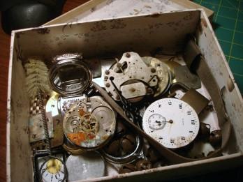 5 svarīgi faktori, kāpēc vecas lietas ir jāmet laukā
