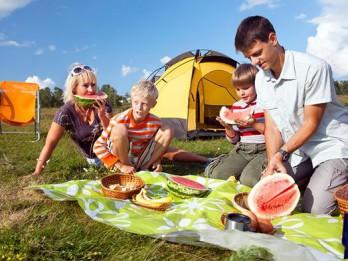Uz pikniku ar svaigām marinādēm un padomiem no uztura speciālistes  un restorānu šefpavāriem