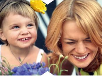 Kampaņā pret bērnu pēršanu iesaistās sabiedrībā zināmi vecāki