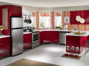 Kā iekārtot virtuvi saimniekošanai un saviesīgām sarunām
