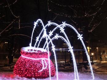 """Festivāla """"Ziemassvētku egļu ceļš"""" apmeklētāji aicināti balsot par sev tīkamākajiem vides objektiem"""