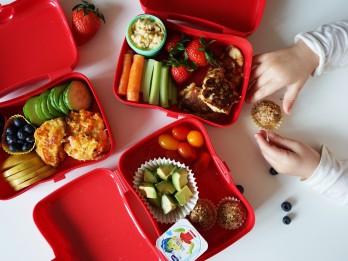 5 vērtīgi padomi uzkodu kastītes gatavošanai bērnam