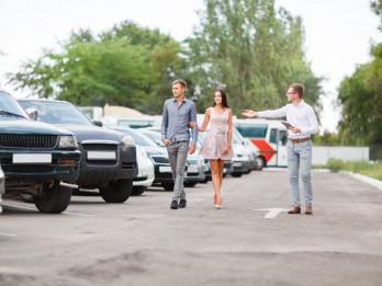 Auto iegāde autoplacī: četri padomi, kā sagatavoties lielajam pirkumam