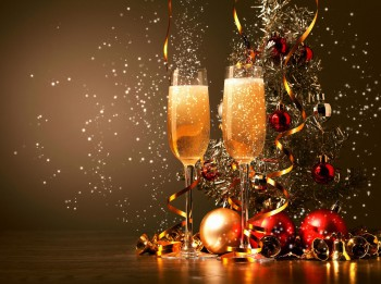 Zīlēšana ar šampanieti Jaungada naktī
