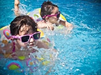 Vai mazam bērnam pietiek tikai ar ikdienas uzturā uzņemtiem vitamīniem?