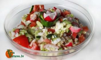 Dārzeņu salāti ar vasaras garšu