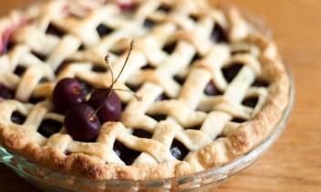 Ķiršu pīrāgs - vienkārši, lēti un garšīgi