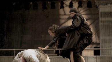 "Laura Groza-Ķibere iestudējusi Artūra Millera ""Salemas raganas"""
