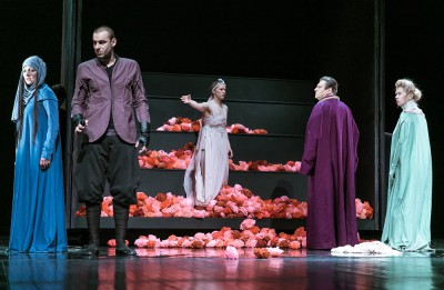 """Foto: Uz Valmieras teātra skatuves atgriežas smeldzīgais Aspazijas mīlas stāsts """"Vaidelote"""""""