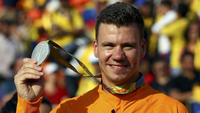 BMX olimpiskais vicečempions pēc treniņā piedzīvota kritiena atrodas komā