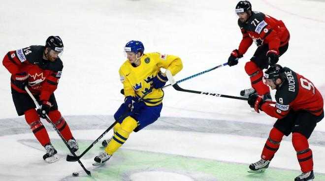 Zviedrijas izlasei pasaules čempionātā palīdzēs trešais rezultatīvākais aizsargs NHL