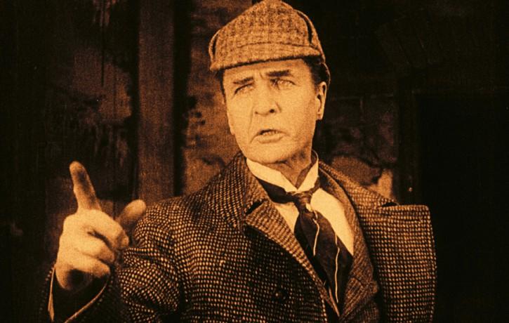 Šerloka Holmsa dzimšanas dienā notiks unikāls mēmās filmas seanss ar laikmetīgā džeza pavadījumu