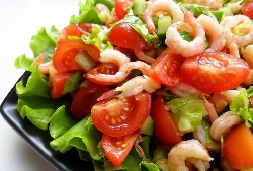 Vieglie garneļu salāti