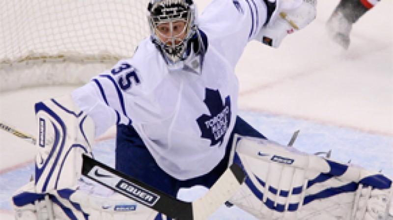 "Toronto ""Maple Leafs"" vārtsargs Vesa Toskala Foto: AP"