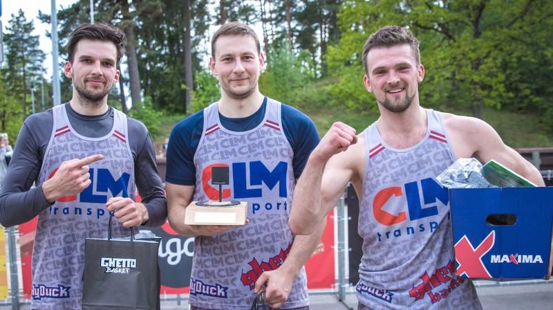 """Latvijas 3x3 basketbola čempionāta kopvērtējuma Vīriešu grupas līdervienība """"HyDuck/CLM"""" Publicitātes foto"""
