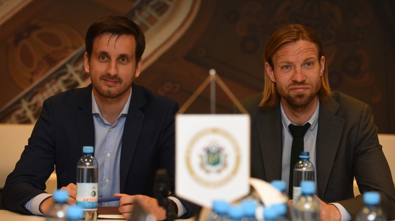 Edgars Pukinsks un Kaspars Gorkšs. Foto: Romāns Kokšarovs, Sporta Avīze, f64