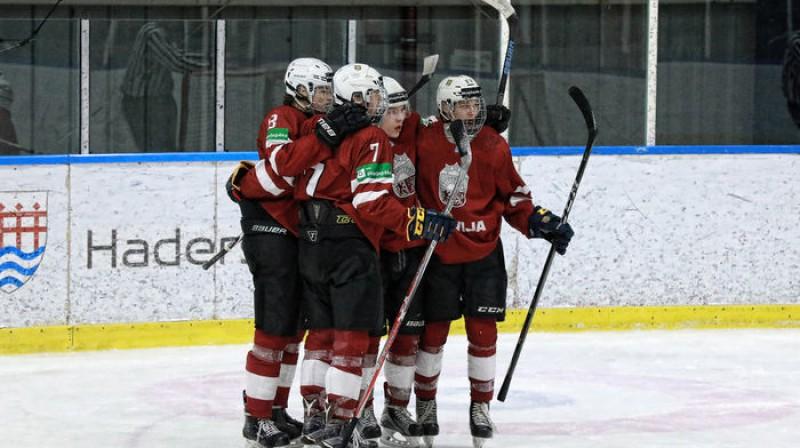 Latvijas hokejisti. Foto: Tanya Long