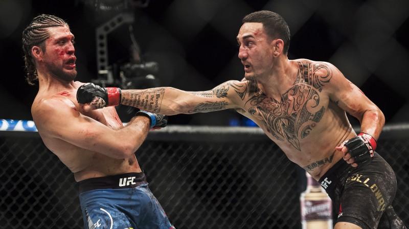 Braiens Ortega pēc ceturtā raunda nebija spējīgs turpināt cīņu. Foto: AP/Scanpix