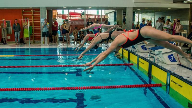 Epizode no Siguldas akvatlona peldēšanas sacensībām. Publicitātes foto