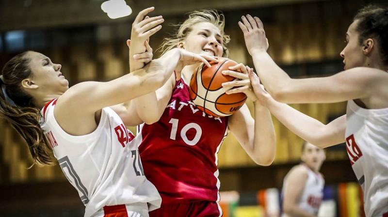 Laura Meldere: 17 punkti un 10 atlēkušās bumbas zaudējumā pret Krieviju. Foto: FIBA