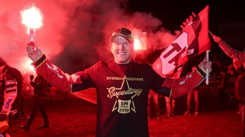 """Andžejs Ļebedevs - trīskārtējs Zviedrijas čempions Eskilstūnas """"Smederna"""" sastāvā."""