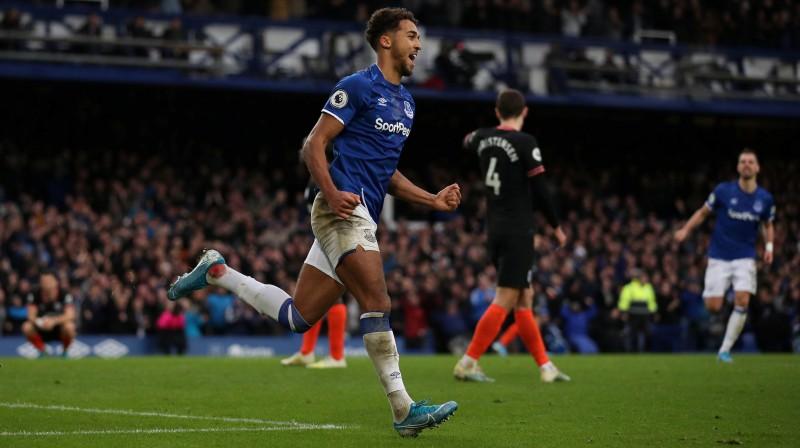"""Dominiks Kalverts-Lūins priecājas par vārtu guvumu mačā ar """"Chelsea"""". Foto: Reuters/Scanpix"""