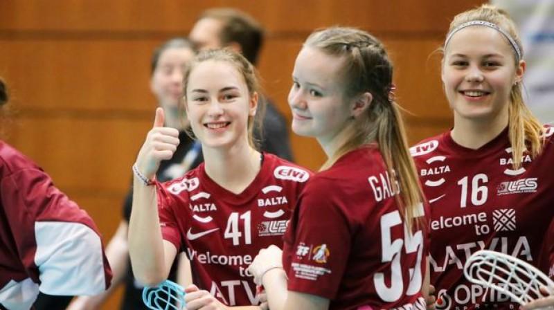 SImona Grāpēna, Laura Gaugere un Jūlija Rozīte vēl nesen bija vadošā maiņa Latvijas izlasē Foto: Ritvars Raits, Floorball