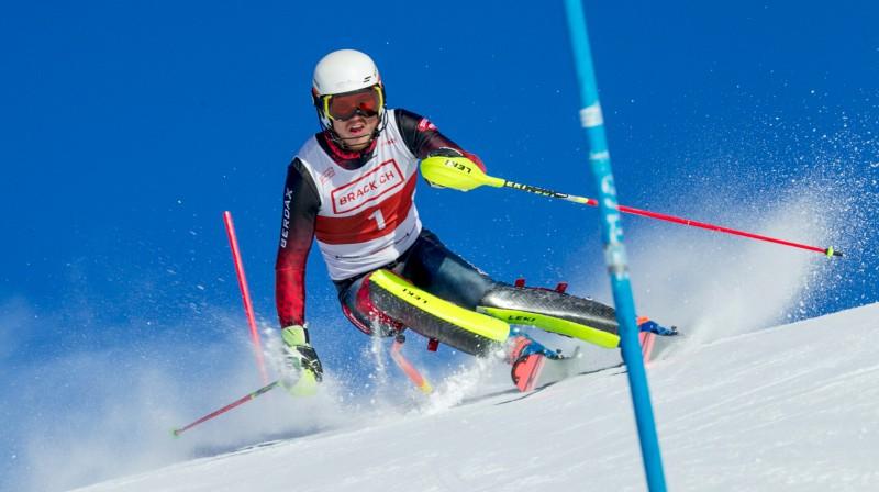 Miks Zvejnieks slaloma trasē