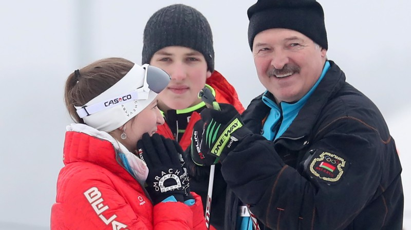 Darja Domračova un Aleksandrs Lukašenko 2019. gadā. Foto: Natalia Fedosenko/TASS/Scanpix