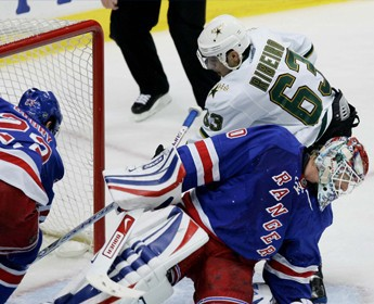 """Stars"" gūst 10 vārtus pret ""Rangers"""
