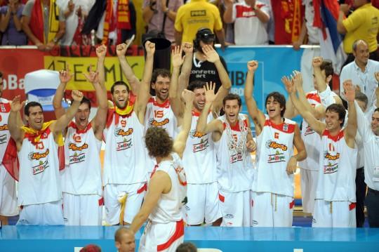 Campeones! Spānijai pirmais Eiropas zelts
