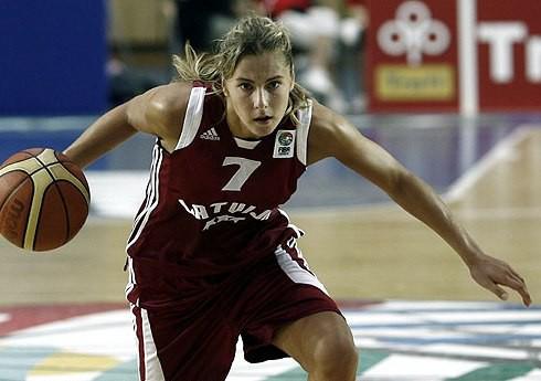 Elīna Babkina pievienojas Polijas čempionēm