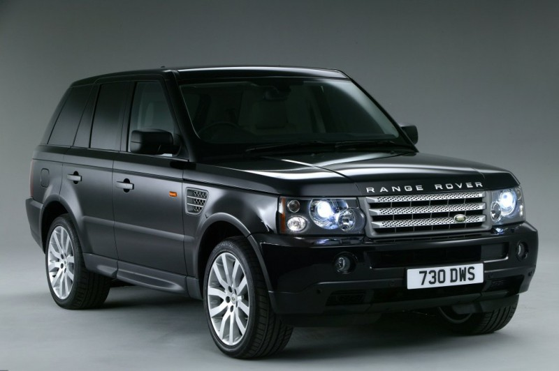 """Brīdina par iespējamo """"Range Rover""""  zādzību bumu Baltijā"""