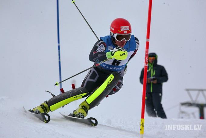 Latvijai divkārša uzvara otrajā dienā FIS slalomā Somijā (video)