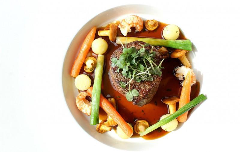 Latvijas labākos restorānus vērtēs Michelin līmeņa ševpavāri
