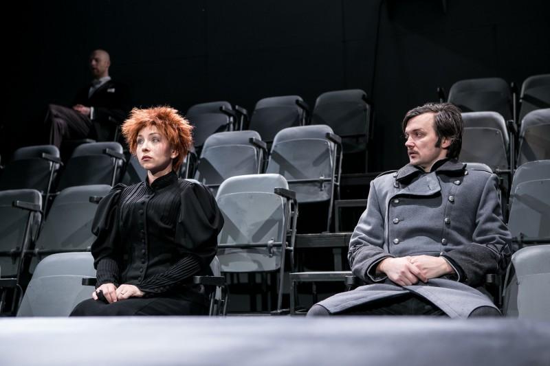 """Pēc izrādes """"Nāves deja""""  tikšanās ar režisoru Elmāru Seņkovu"""