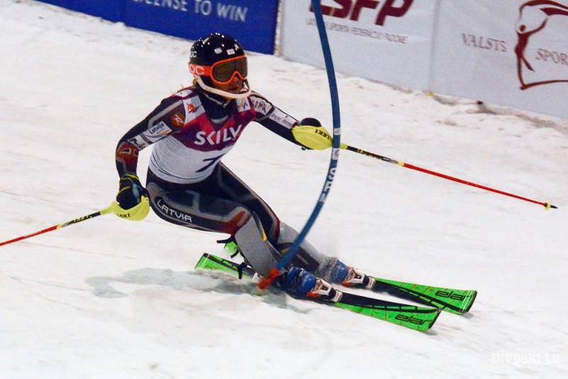 Ļoti līdzīgās cīņās Latvijai divas uzvaras Baltijas kausa posmā slalomā (video)