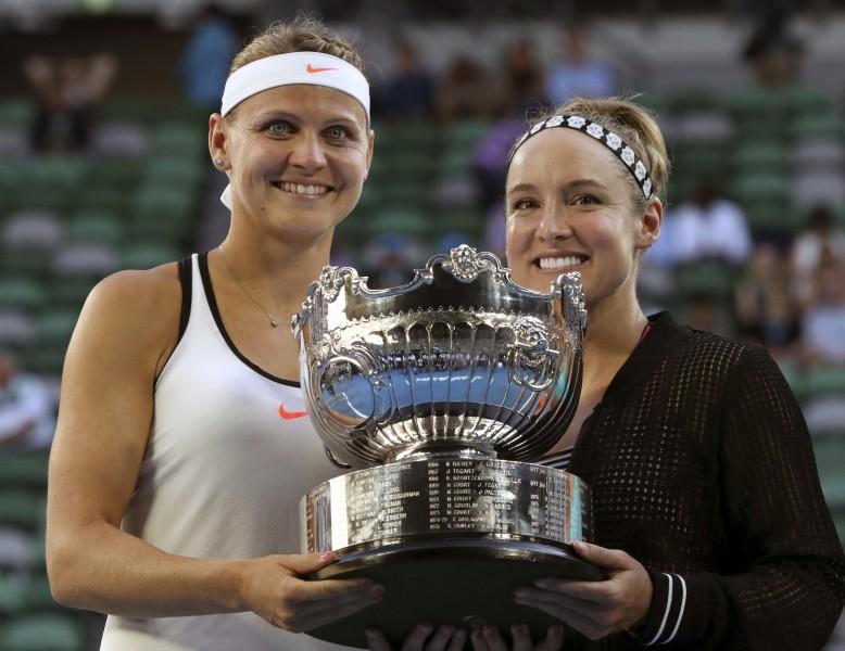 """Mateka-Sendsa un Šafāržova otro reizi trīs gados uzvar """"Australian Open"""""""
