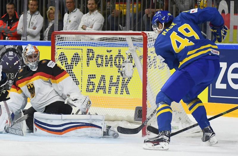 A grupā hokeja lielvalstis mēģinās ķert Latviju